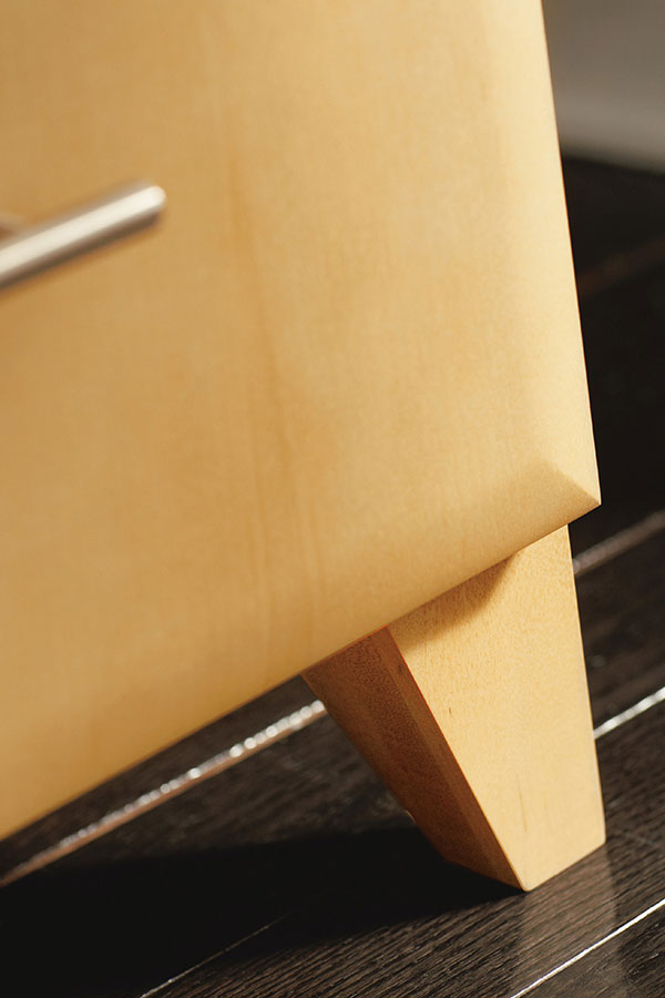 TAPERED CABINET LEG