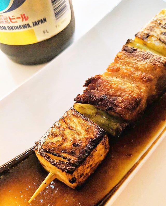 Pork belly & pineapple yaki with hoisin Cause 🐷♥️🍍 📸 : @foodballin #porkandpineapplesittingonatree #teobrooklyn . . . . . . #skewers #yaki #meatonastick #eats #food #foodporn #brooklyn #bushwick #bushwickcollective