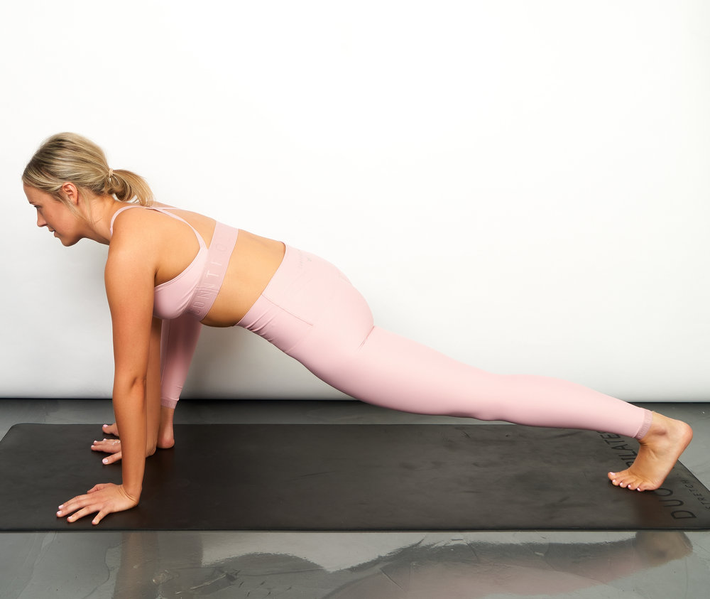 kneeling hip flexor stretch 1.jpg