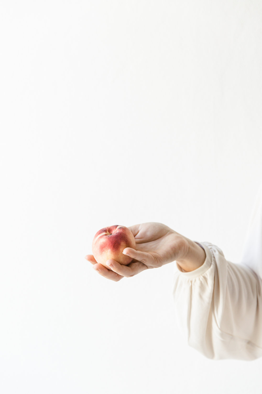 Summer peach | photography & styling by Joske Simmelink