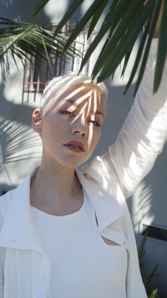 Susn Dybvik in Kepaza. Photo taken in Los Angeles.