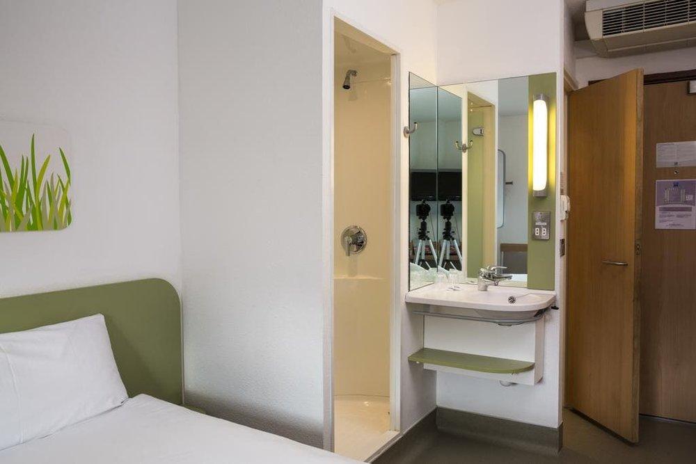 ibis budget hotel glasgow.jpg