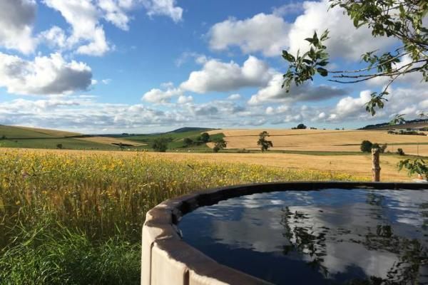boutique farm bothies hot tub.jpg
