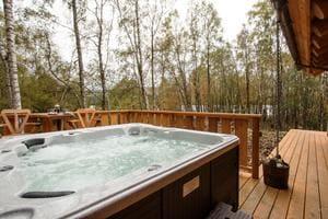 caledonian cabin invergarry.jpg