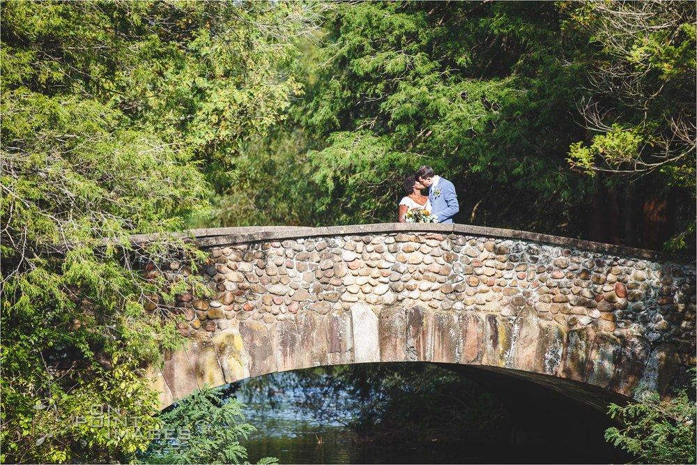 pond-house-cafe-wedding-photographer-hartford-35.jpg
