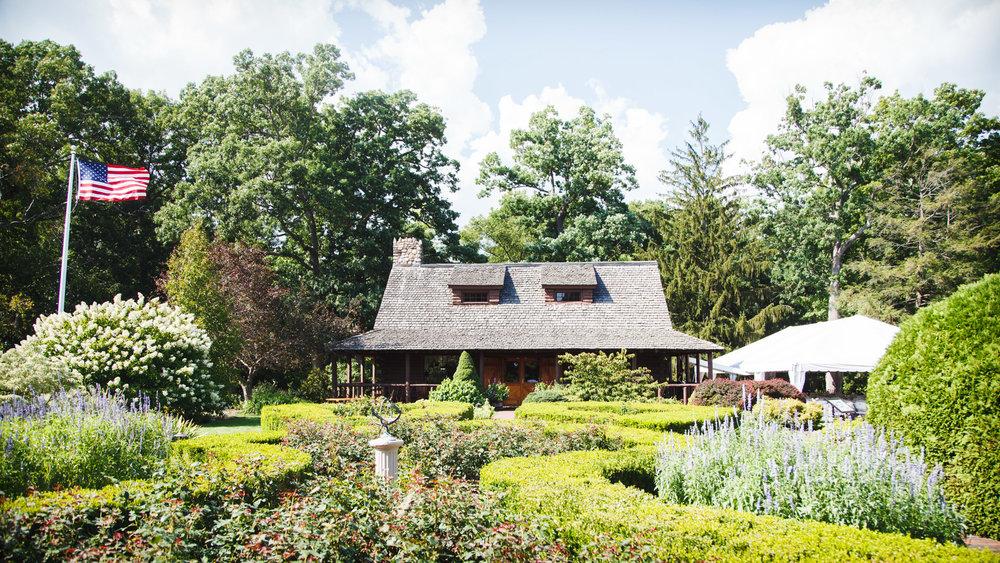 Wickham-Park-Wedding-Photographs-4.jpg