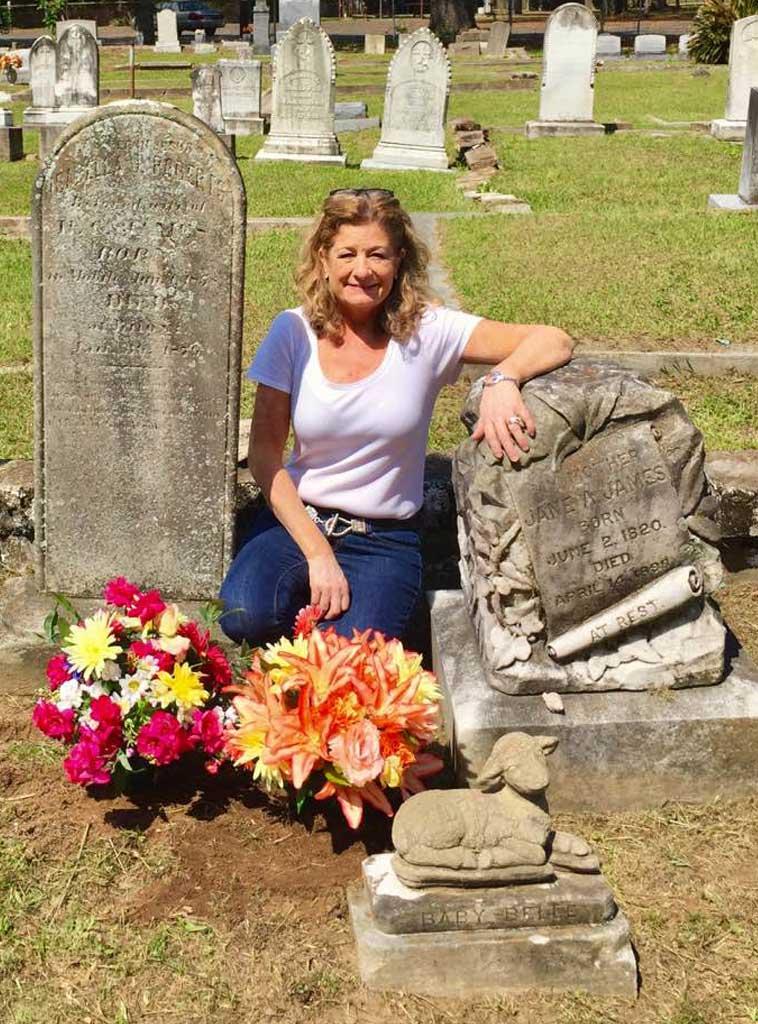 kim-carter-author-baby-belle-grave-new-flowers.jpg