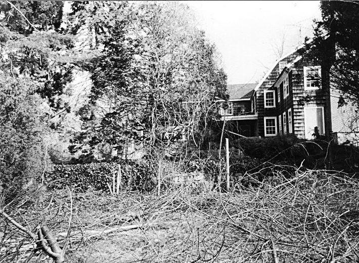 Gardiner Brown House in disrepair before LVIS purchase
