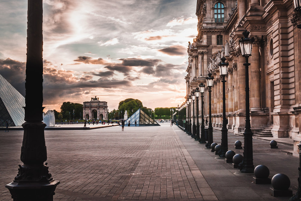 Louvre alley