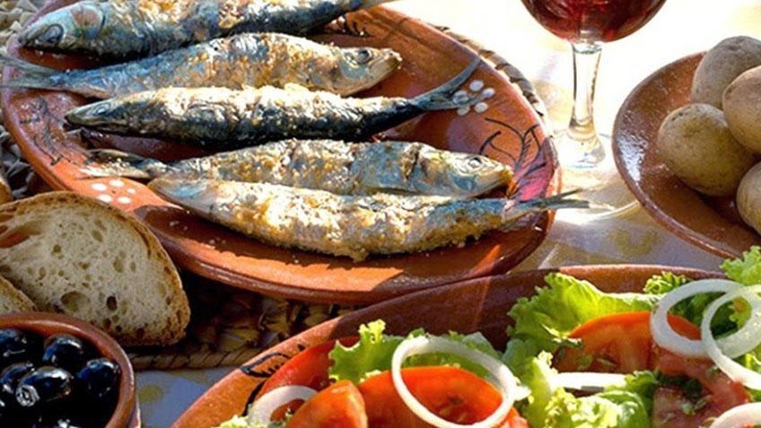 Sardinas-Assadas-Portuguese-Grilled-Sardines.jpg