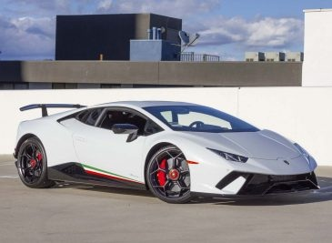 LamborghiniHuracanPerformante_03.jpg