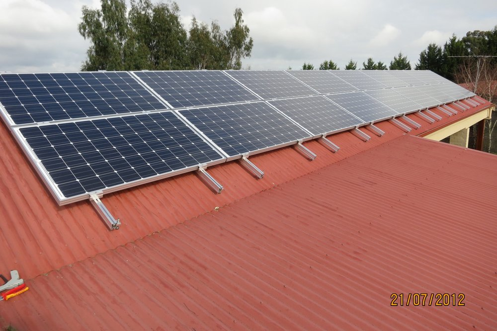 2012: 4.5kWp system in Coldstream, Victoria..