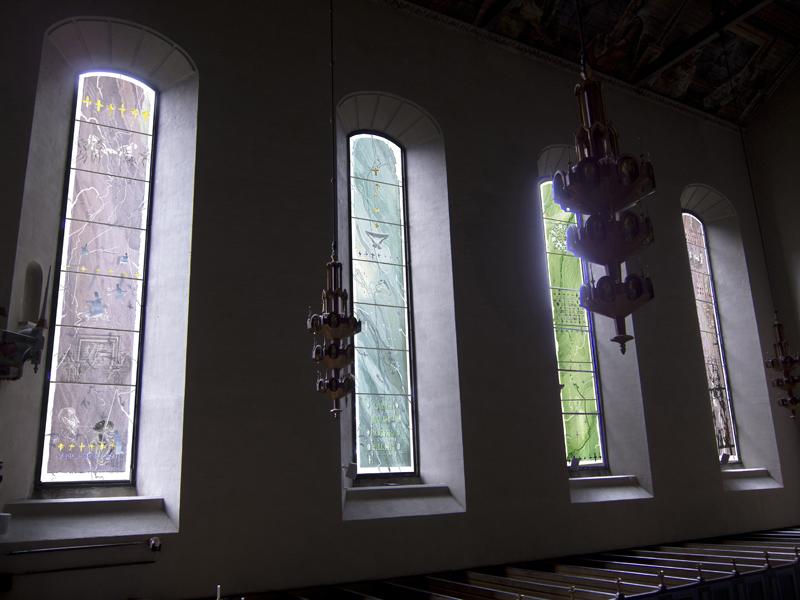 J Utsmykningskonkurranse nye glassmaleri til Margaretakyrkan, Oslo 2012.jpg
