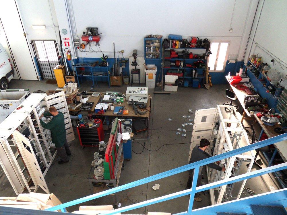 sirp impianti elettrici cuneo cherasco piemonte progettazione installazione manutenzione sistemi elettriciofficina 4.JPG
