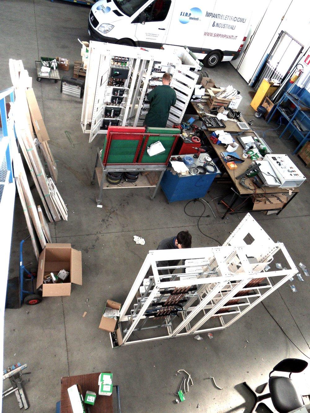 sirp impianti elettrici cuneo cherasco piemonte progettazione installazione manutenzione sistemi elettriciofficina 3.JPG