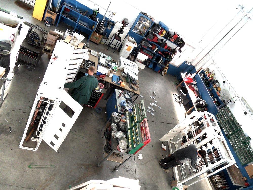 sirp impianti elettrici cuneo cherasco piemonte progettazione installazione manutenzione sistemi elettriciofficina 5.JPG