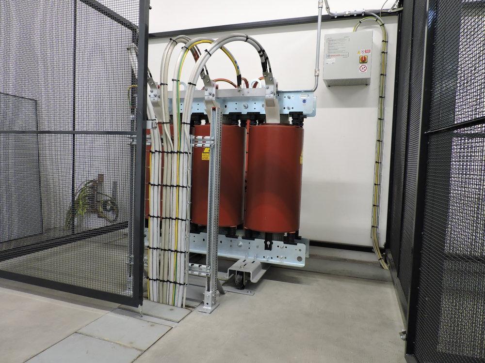 sirp impianti elettrici cabine elettriche cuneo cherasco piemonte progettazione installazione manutenzione sistemi elettriciDSCN1753.JPG