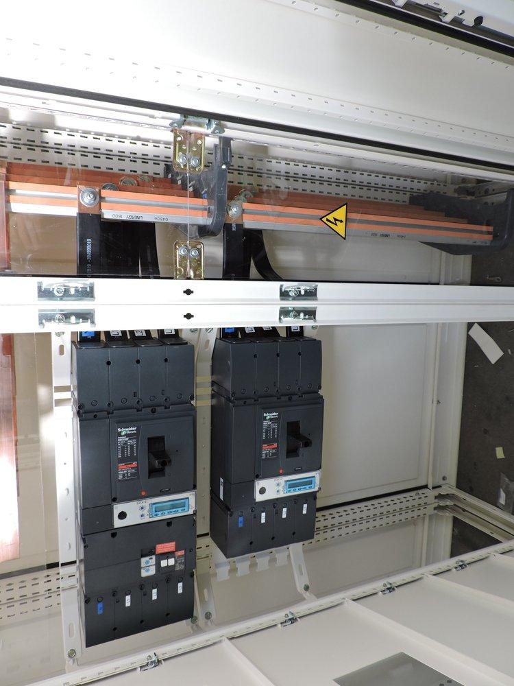 Schemi Quadri Elettrici : Progettazione installazione e manutenzione di quadri elettrici a