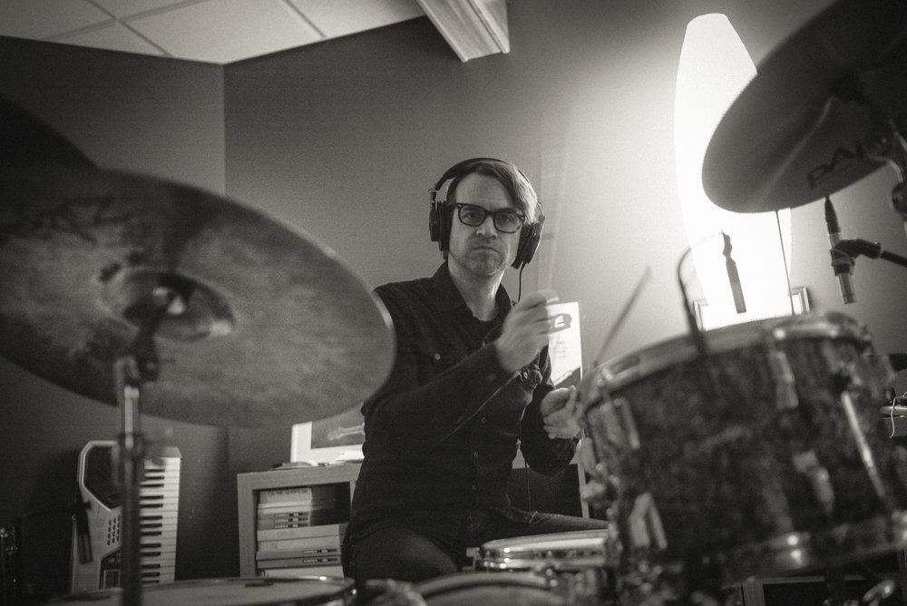 MIKE TITTEL - Drums. Singer/Songwriter @ Cincinnati's New Sincerity Works and Pretty Bird. Drummer @ Pidgin, Loud Family. Principal, Fruit Hill Recording Studio.