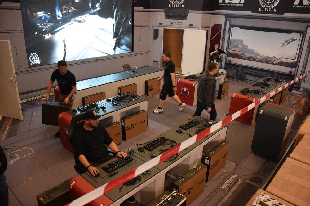 GamesCom stand - midbuild