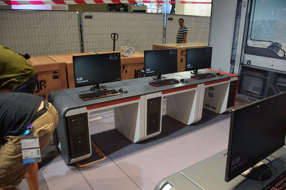 Gamers desks