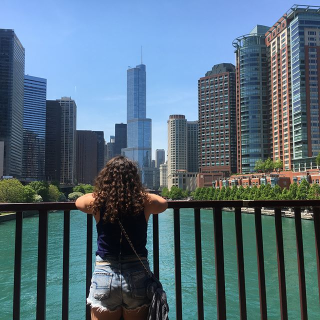 A little late, but thanks to Chicago and thanks to @ciera.bryn15 for the latest adventure 🏙 (caught by surprise in the last pic)
