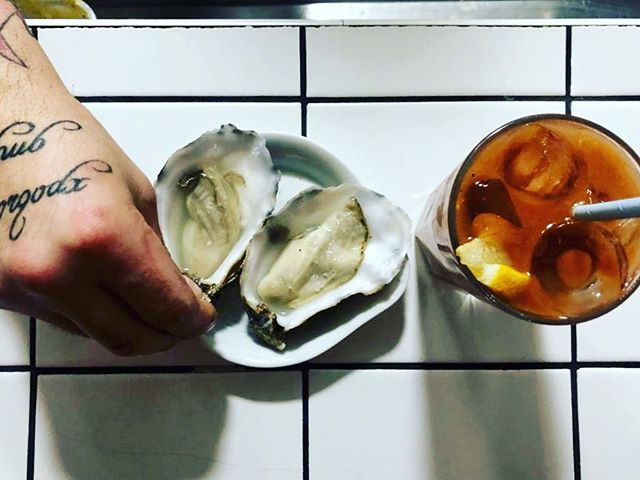 Sunday's at Madame Pigg is best started with a bloody and some fat oysters #winning #alldaymenu #sundayfunday #oysters #bloodymary #sundaymenu #roasts