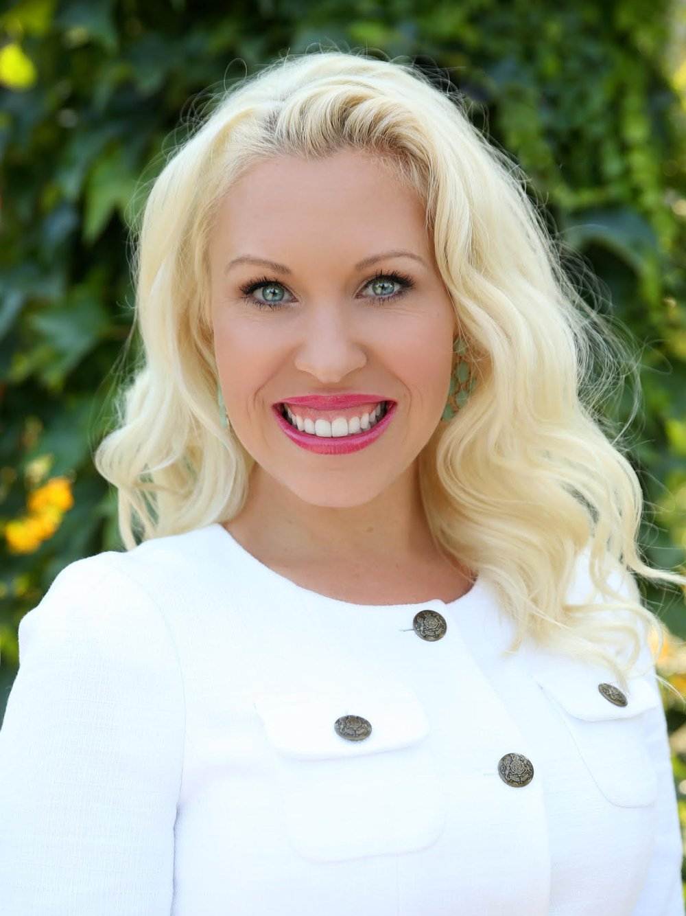 Jolene Messmer - Loan Consultant425-445-1945Jolene.Messmer@CaliberHomeLoans.comAnalyzes your financial objectives, educates you on the loan process, structures and shares all loan options available, and oversees the entire loan process with the team