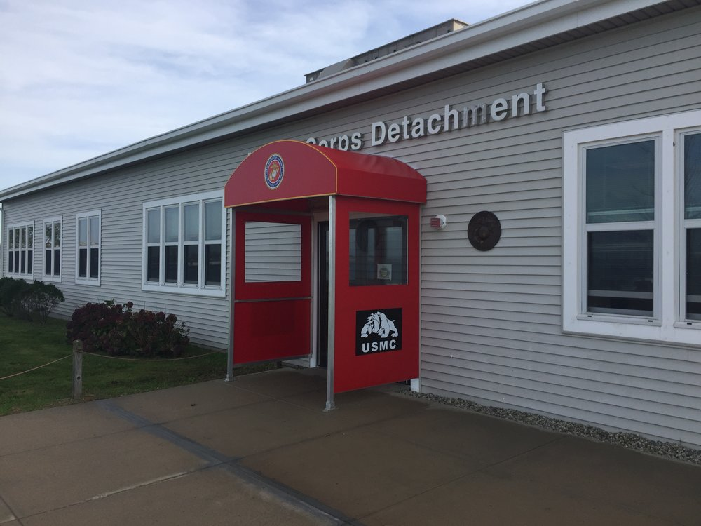 USMC Custom Entrance Enclosure & Applied Graphics