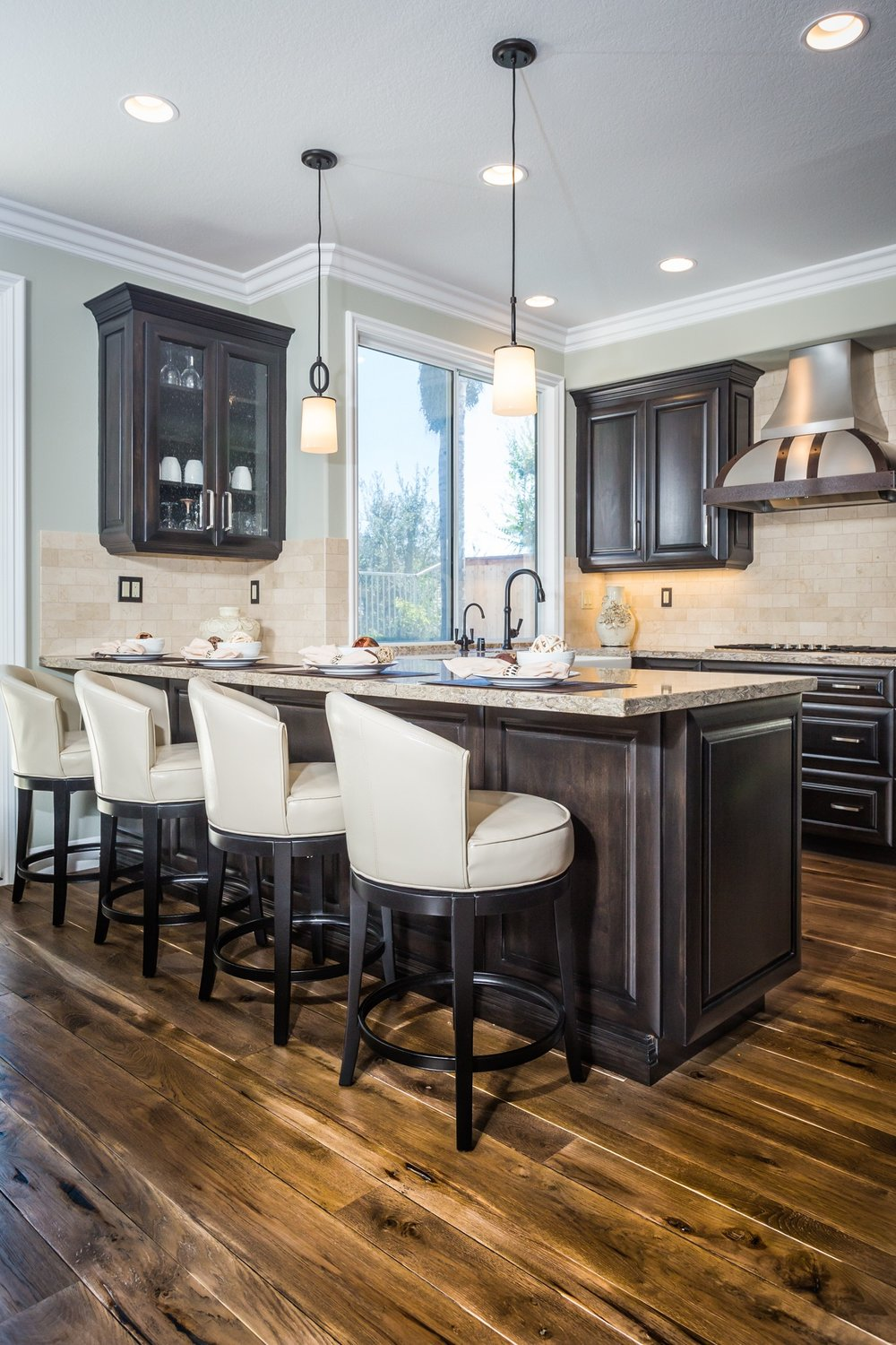 BUILD - New Construction - Residential & CommercialDesign and PlanningConstruction DrawingsSurface Materials SelectionsLighting Design & SelectionHardware Selection for all Cabinetry & DoorsNew Communities - Model Home Merchandising