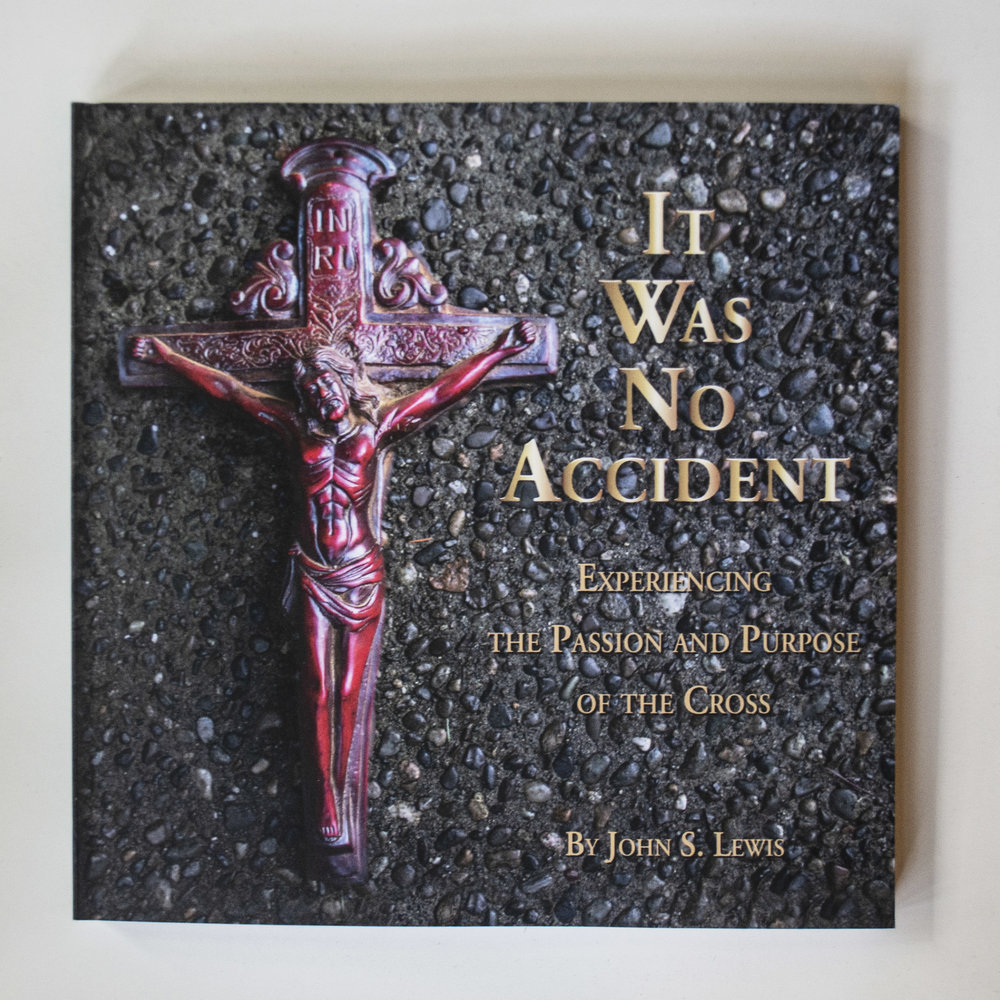 It Was No Accident: Experiencing the Passion and Purpose of the Cross - John S. Lewis - This 40-day devotional—suitable for Lent or any other time of year—is filled with Scripture readings, sacred art, stirring narratives, heart-moving prayers, and opportunities for private reflection and group discussion. Use it privately in your own personal reflections—or with a group! In its pages, you will see the Passion Story of Jesus through fresh eyes, the eyes of the many different characters who played a role in His life during those crucial last days.