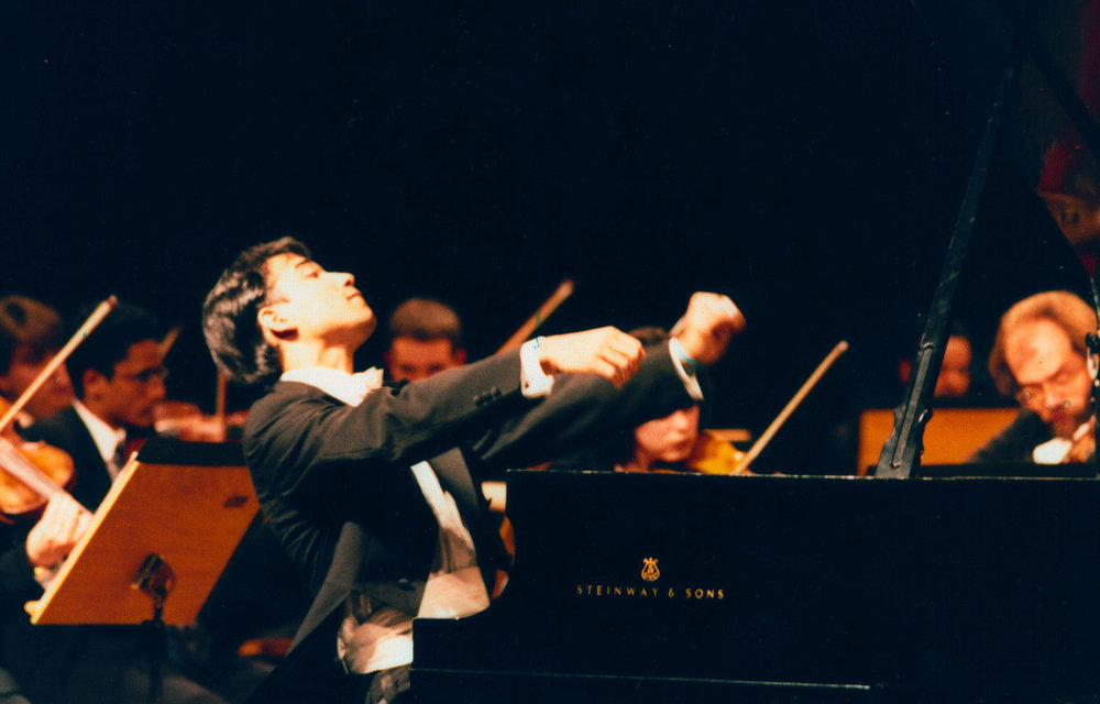 Masayuki Carvalho  piano.jpg