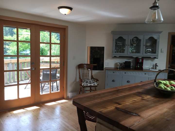 Kitchen to deck.jpg