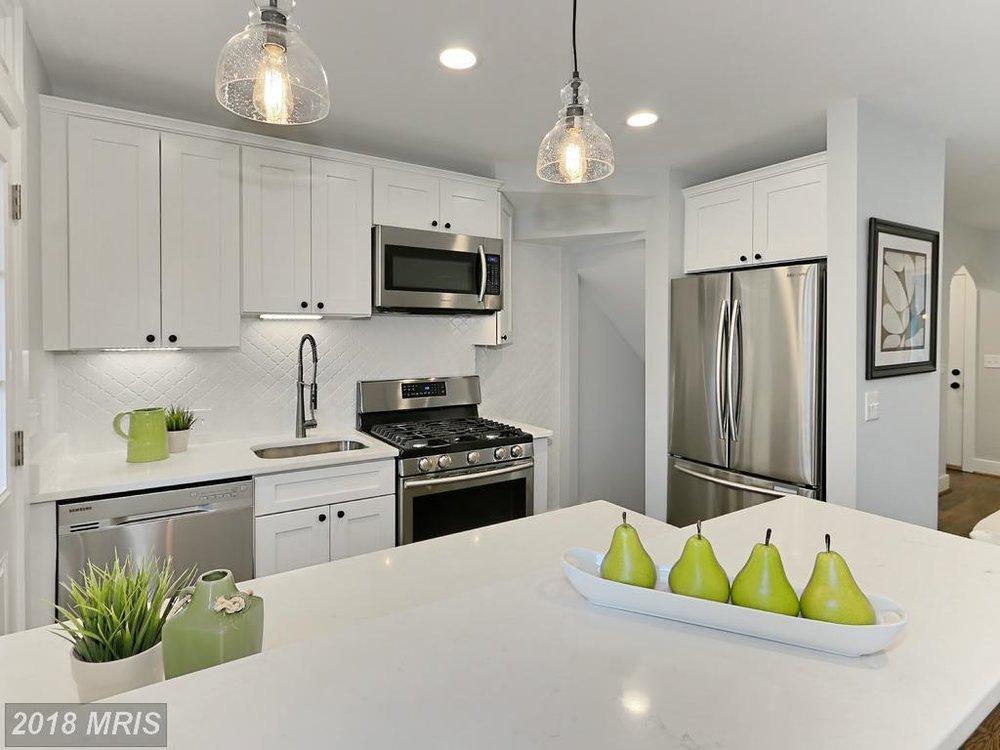 Manning 3035 - kitchen 5.jpg