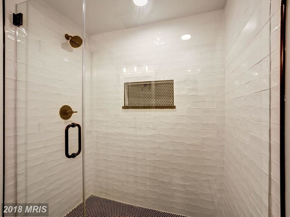 Dannys 3634 - basement bathroom 2.jpg