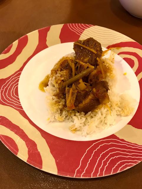 Dave's mouth watering Burmese style pork curry (gaang hang lair) at Phu Le restaurant in Chiang Rai.