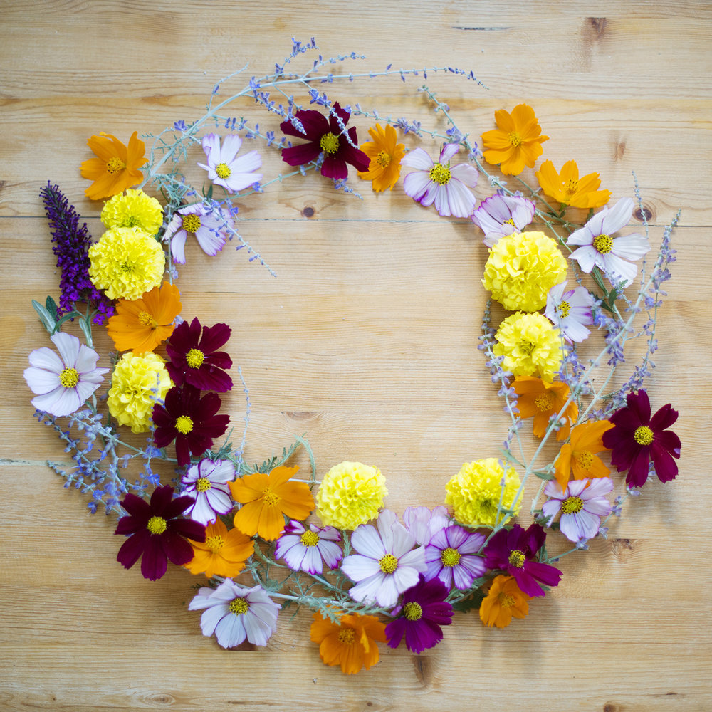 flowers wreath blank.jpg