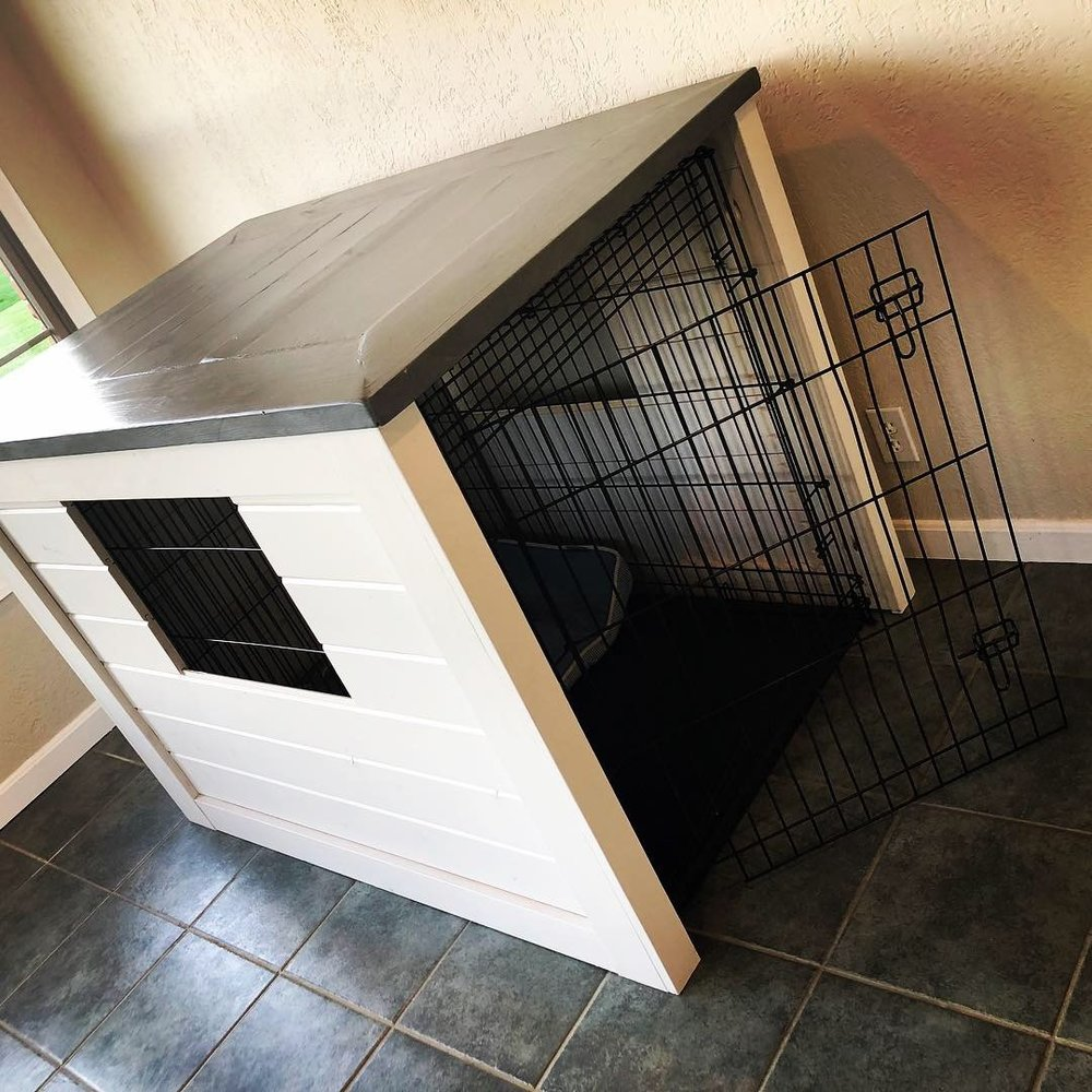 Rustic Dog Kennel Cover