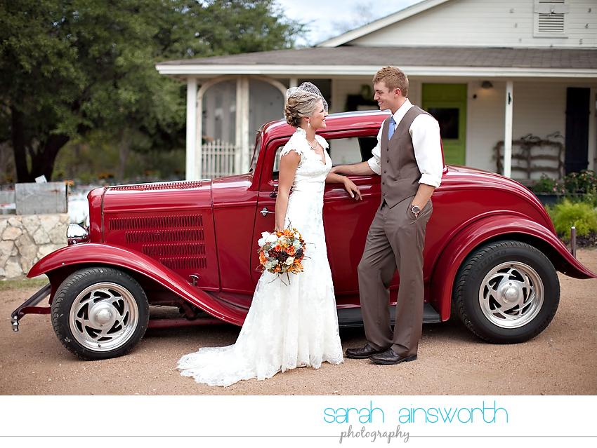 houston-wedding-photographer-gatesville-wedding-ruby-caroline-vintage-wedding-fall-wedding-cortney-bobby14
