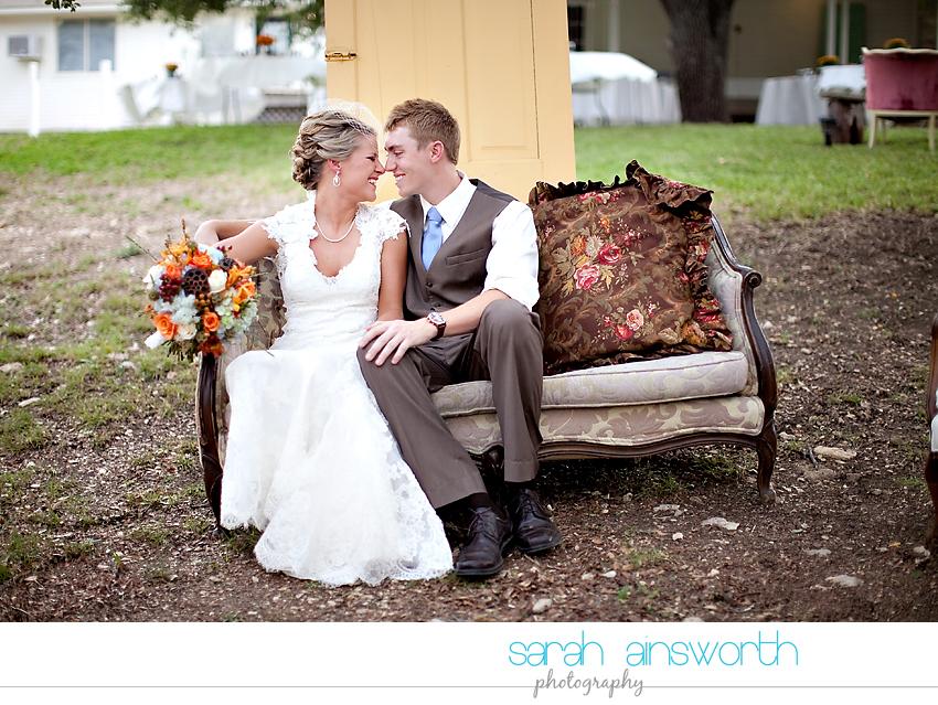 houston-wedding-photographer-gatesville-wedding-ruby-caroline-vintage-wedding-fall-wedding-cortney-bobby16