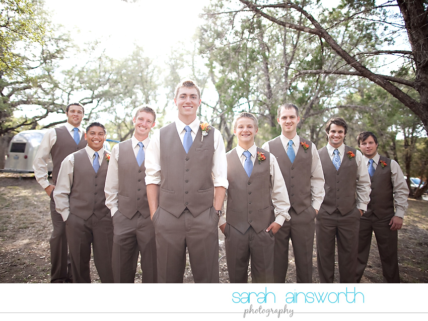 houston-wedding-photographer-gatesville-wedding-ruby-caroline-vintage-wedding-fall-wedding-cortney-bobby23