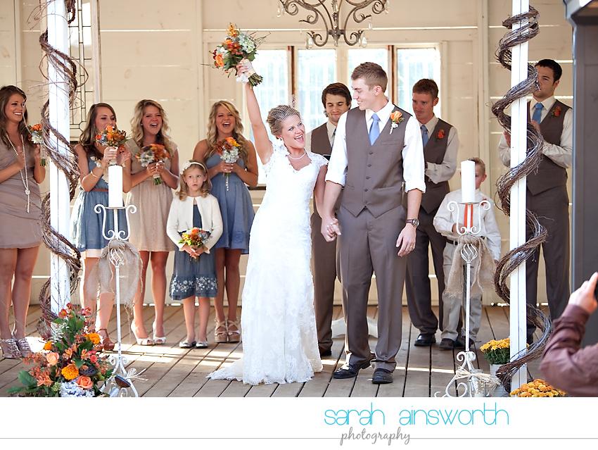 houston-wedding-photographer-gatesville-wedding-ruby-caroline-vintage-wedding-fall-wedding-cortney-bobby36