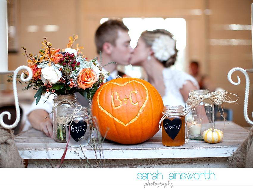 houston-wedding-photographer-gatesville-wedding-ruby-caroline-vintage-wedding-fall-wedding-cortney-bobby38