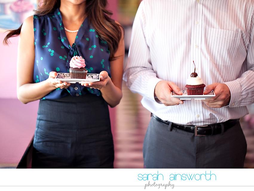 houston-engagement-photographer-sugarbabys-cupcakes-houston-engagement-pictures01