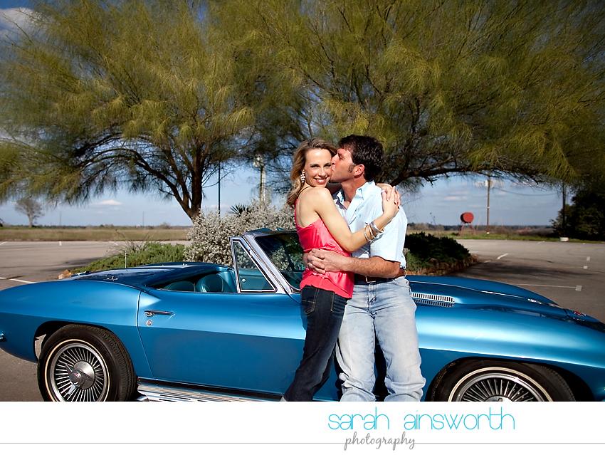 montgomery-engagement-photographer-vintage-car-jennifer-leslie03