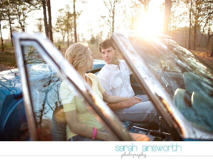 montgomery-engagement-photographer-vintage-car-jennifer-leslie08