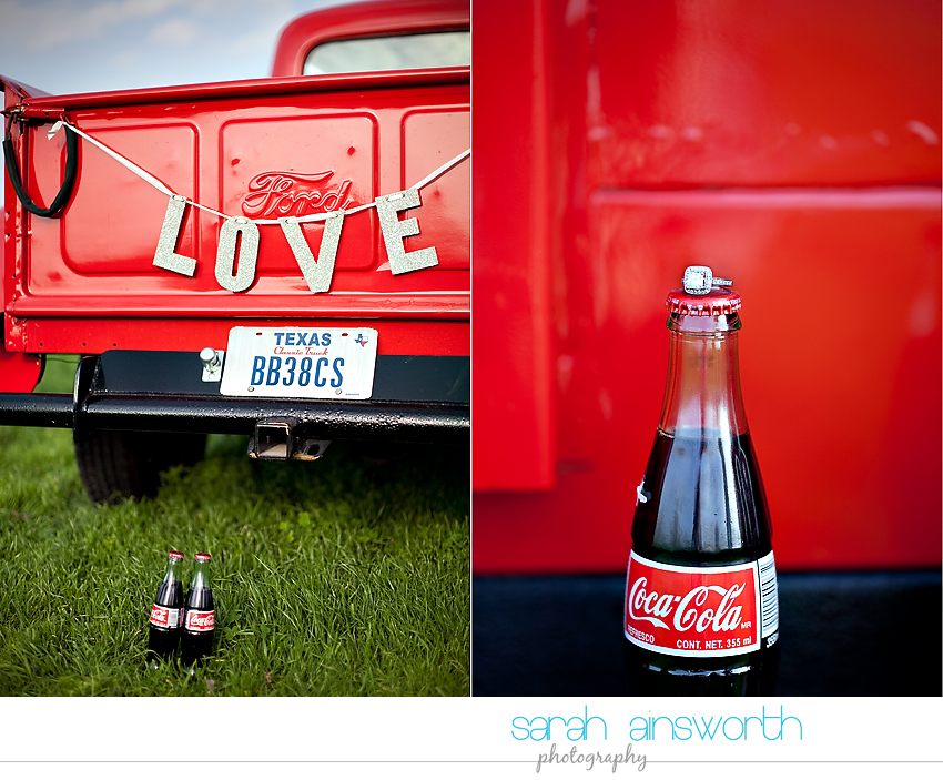 houston-wedding-photographer-vintage-rustic-engagement-pictures-karen-taylor03