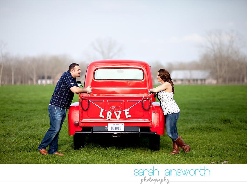 houston-wedding-photographer-vintage-rustic-engagement-pictures-karen-taylor09
