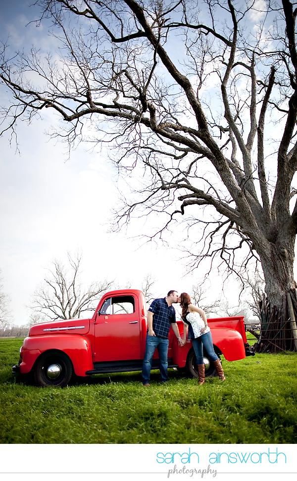 houston-wedding-photographer-vintage-rustic-engagement-pictures-karen-taylor20