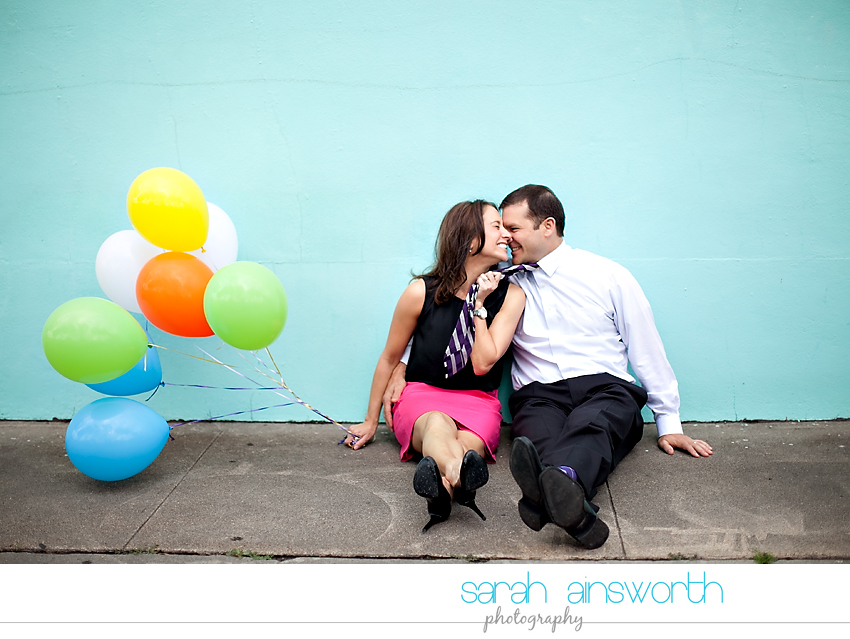 heights-couples-shoot-anniversary-shoot-colorful-balloons-menil-collection-veronica-patrick01